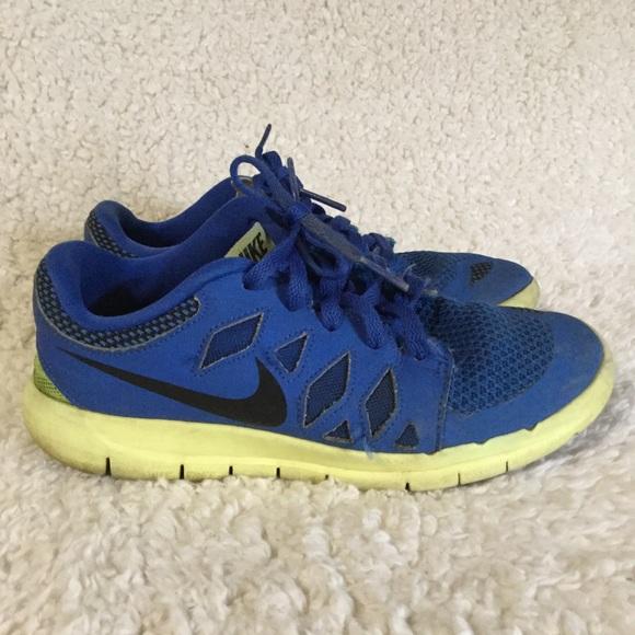 Boys Blue Nike Free 5.0 Tennis Shoes Size 13